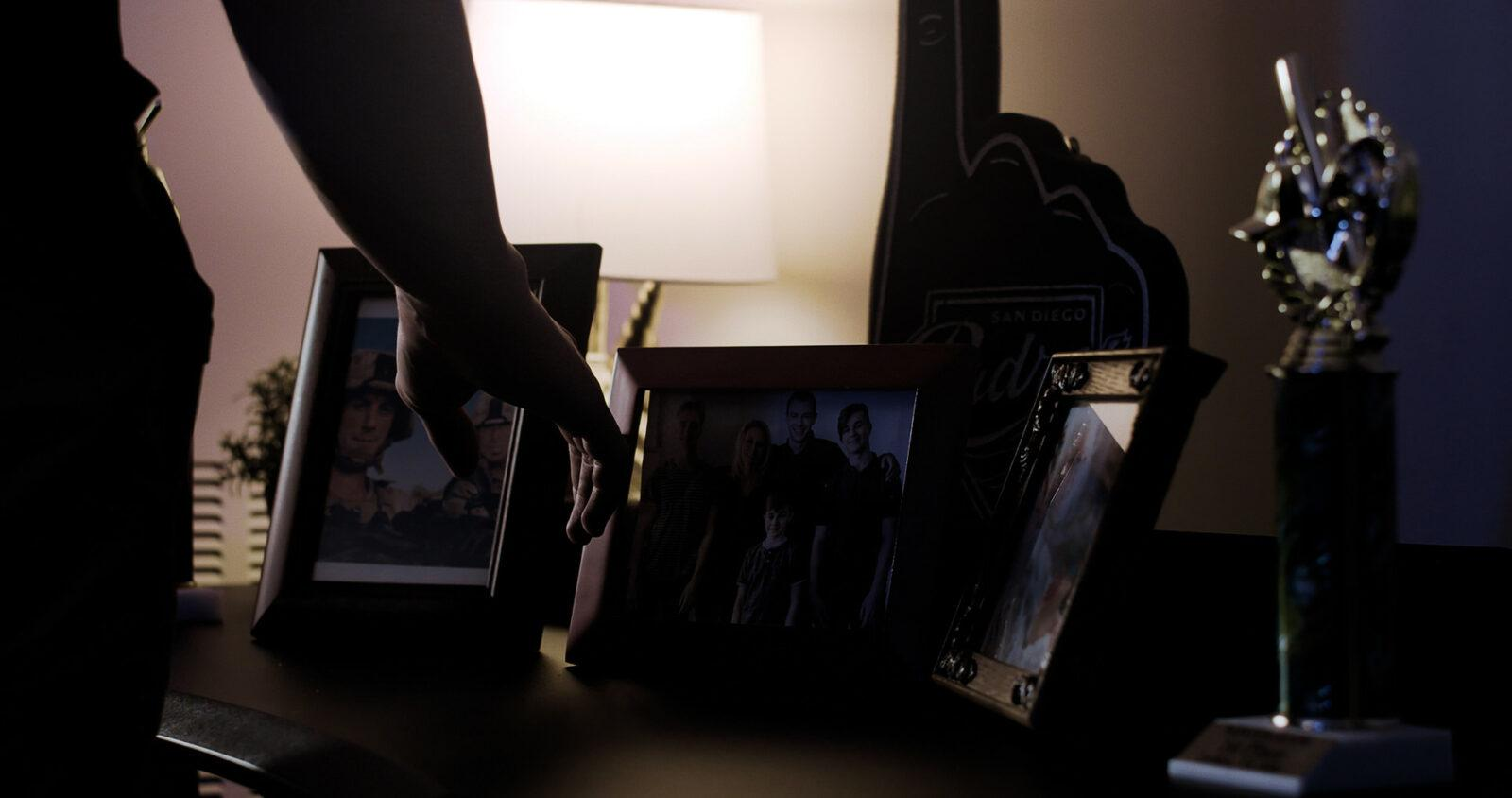 3 Picture frame.